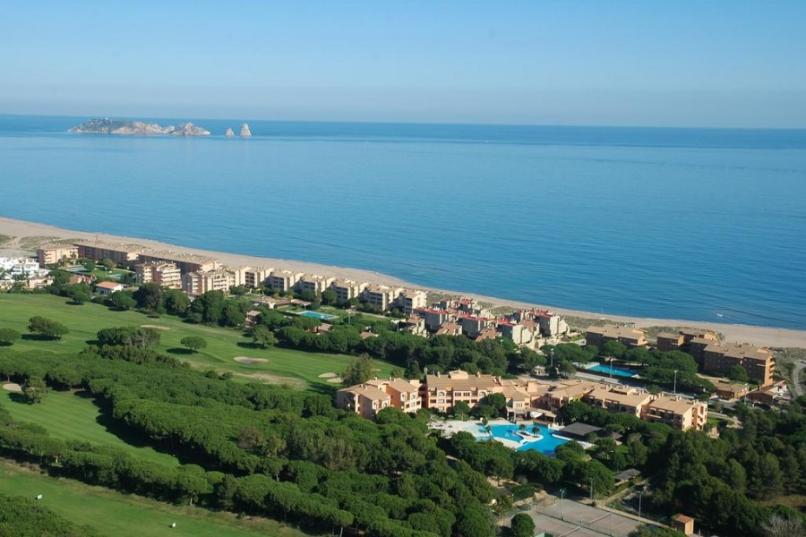 La Costa Beach & Golf Resort